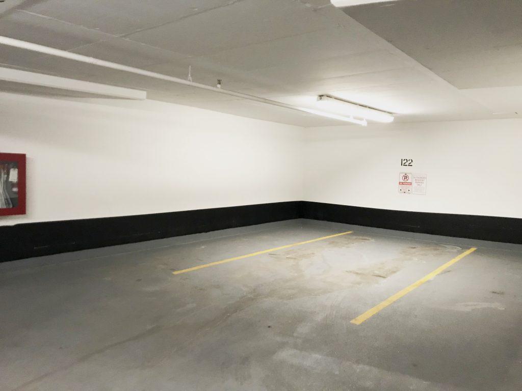 Parking 多伦多地产犀牛